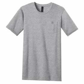 DISTRICT YOUNG MENS Tee w/ Pocket